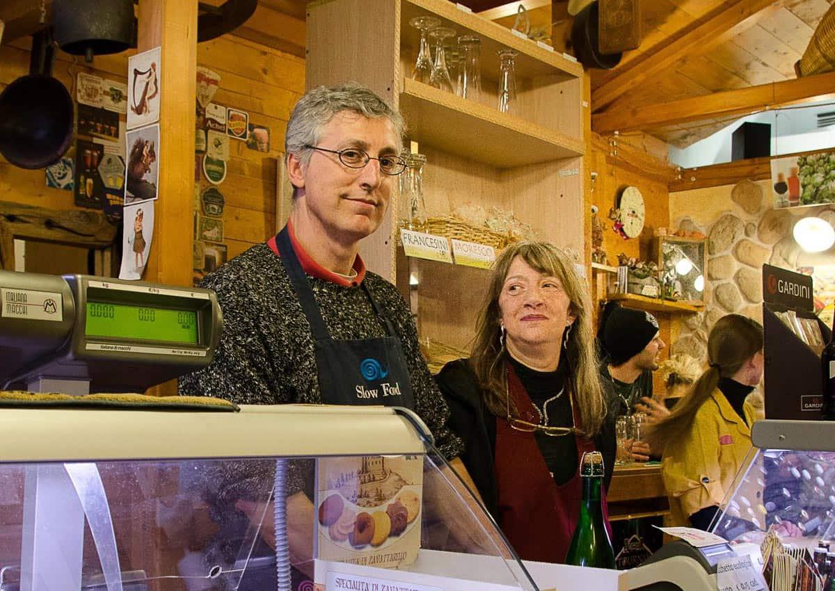 Lo staff famiglia Rievoca Beer a Cernusco sul Naviglio - qualità e birra artigianale