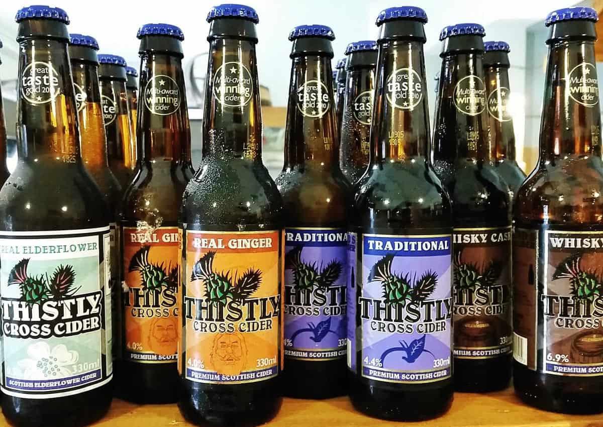 Amiamo la Birra di qualità ma proponiamo anche molte varietà di sidro e degli ottimi imbottigliamenti di whisky.
