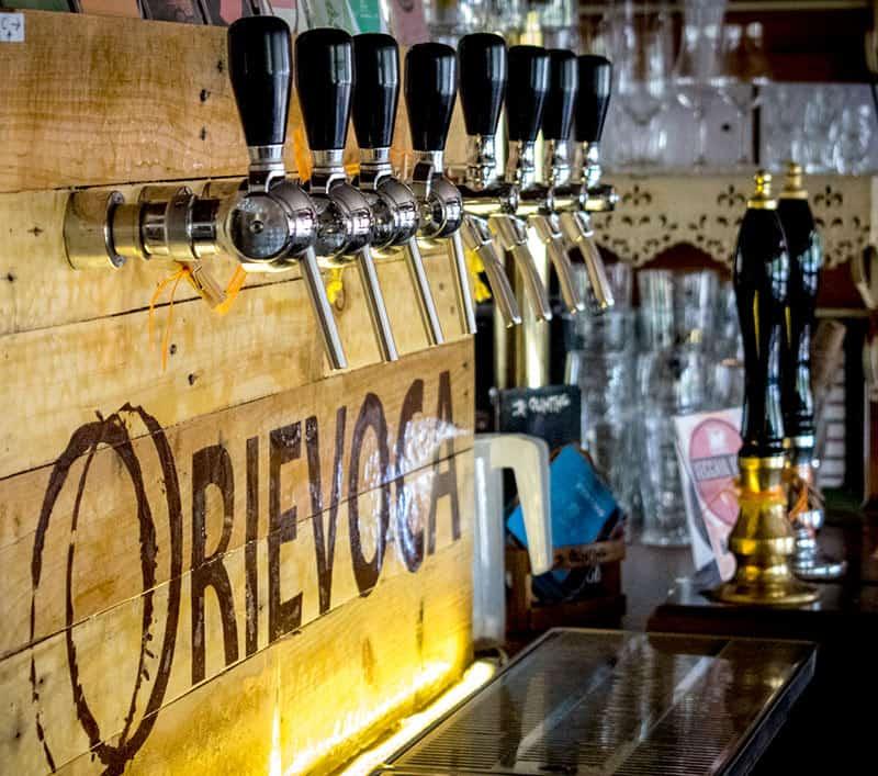 Rievoca Beer ama la bitrra artigianale: 8 spine e 2 handpumps